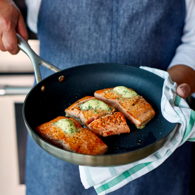 Online Parisian Pan-Seared Salmon (ET)