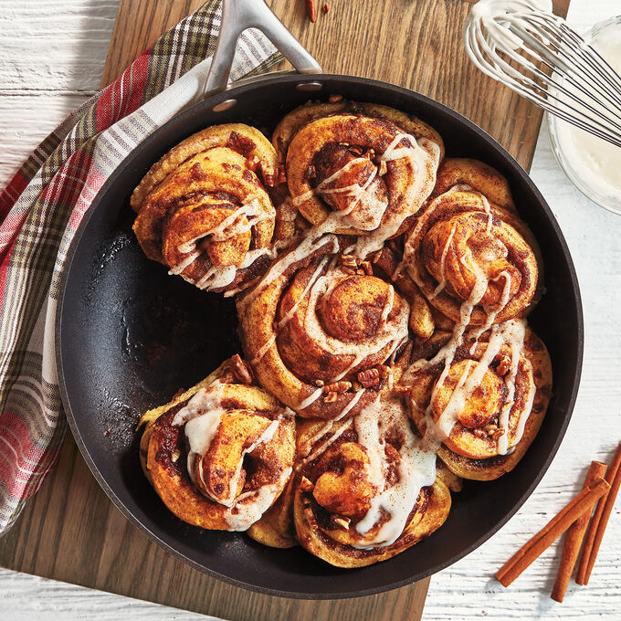 Online Prep Now, Eat Later: Cinnamon Rolls & Pull Apart Wreath (ET)