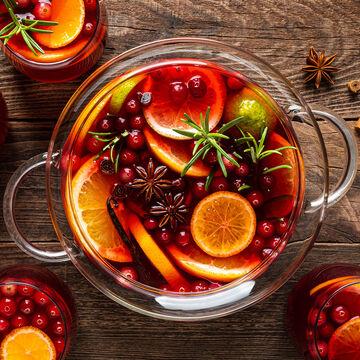 Online Focus Series Mixology: Holiday Batch Cocktails (ET)
