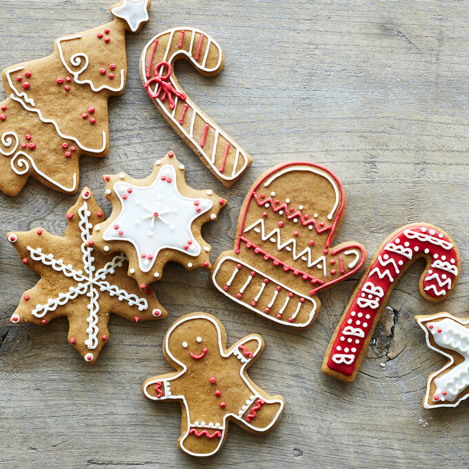 Family Fun: Holiday Cookie Decorating