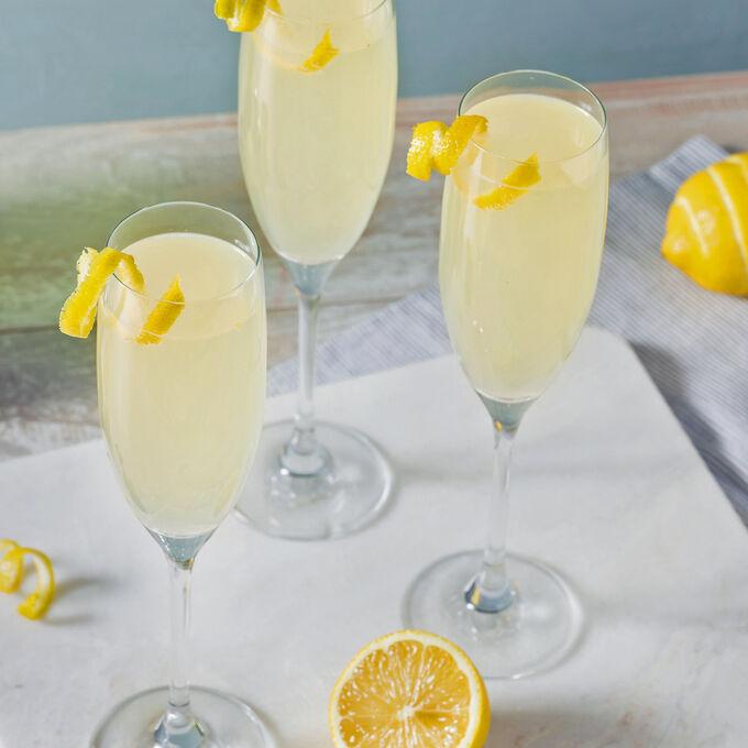 Online Red Carpet Cocktail Hour (ET)
