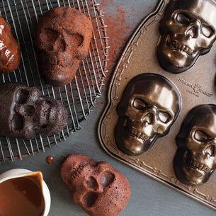 Dark Chocolate Skull Cakes