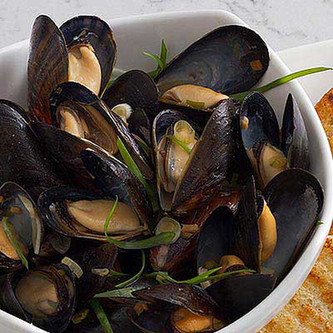 Pan Roasted Bouchot Mussels with Oriental Sauce