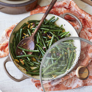 Green Beans with Walnuts and Cranberries