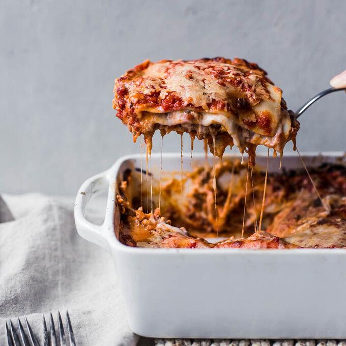 Authentic Italian Lasagna with Besciamella Sauce