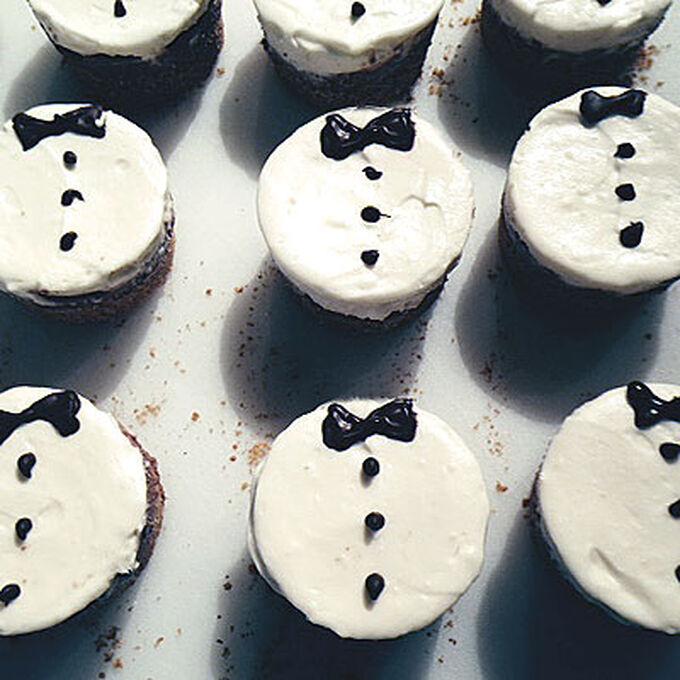 Black and White Tuxedo Cheesecakes