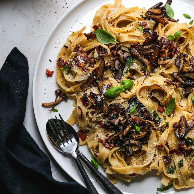 Tagliatelle Carbonara with Crispy Mushrooms Recipe