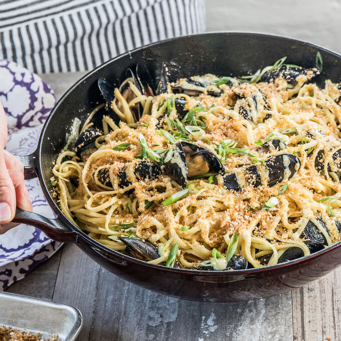 Mussels Linguini in Harissa and Butter