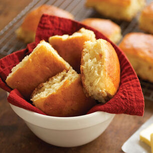 Old-Fashioned Dinner Rolls
