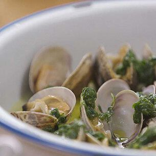 Steamed Manila Clams with Thyme, White Wine and Sorrel Purée