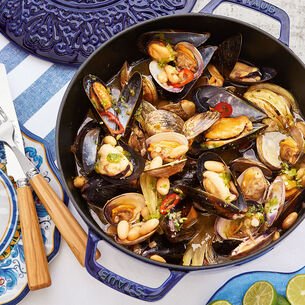 Mexican Beer Steamed Mussels and Clams