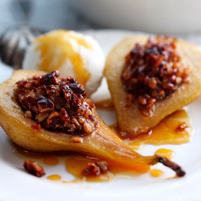 Baked Pears with Pecans and Maple Syrup