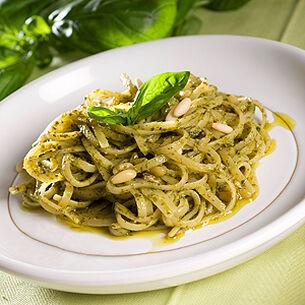 Trenette fresche al Pesto alla Genovese - Fresh Trenette with Pesto alla Genovese