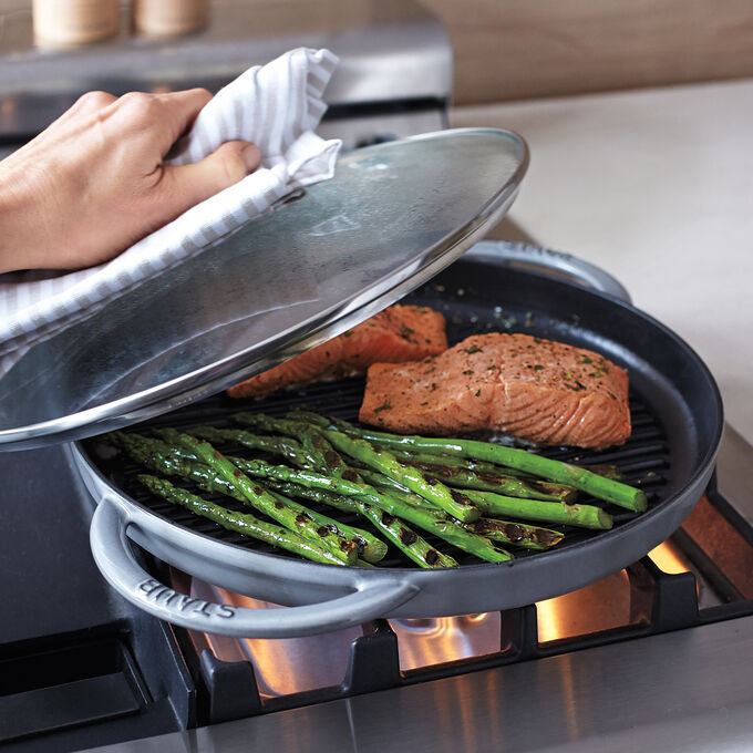 Steam-Grilled Salmon and Asparagus