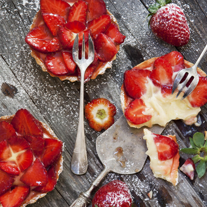 Strawberry Mascarpone Tartlets with Rhubarb Glaze