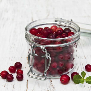 Warm Cranberry Crumble Tart