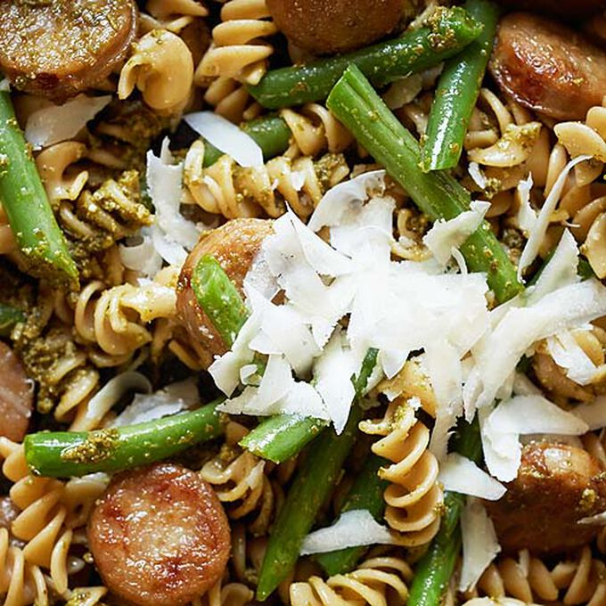Whole Wheat Pasta with Chicken Sausage, Pesto and Green Bean