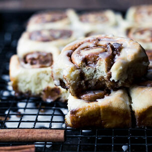 Soft and Sweet Cinnamon Rolls Recipe | Sur La Table