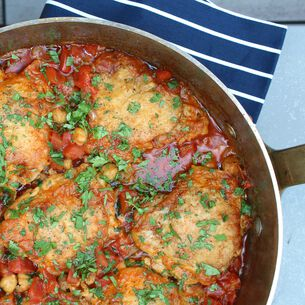 Moroccan Chicken with Chickpeas and Tomato
