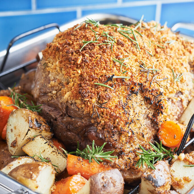 Roast Leg of Lamb with Fennel Seeds and Rosemary Crust
