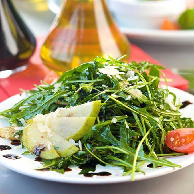 Pear and Arugula Salad with Pomegranate Vinaigrette