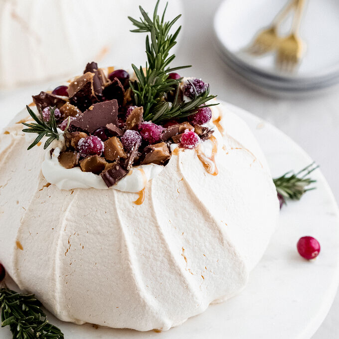 Pavlova Topped with English Toffee