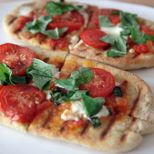 Whole Wheat Grilled Flatbread Pizettes