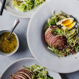 Lyonnaise Salad with Bacon Vinaigrette