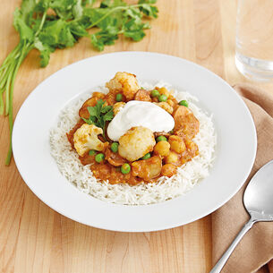 Indian Curry with Potatoes, Cauliflower, Peas and Chickpeas