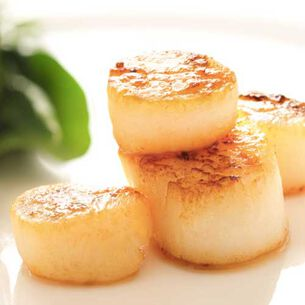 Pan-Seared Curry-Rubbed Scallops