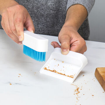 Tovolo Magentic Countertop Brush and Dustpan