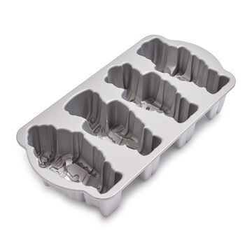 Nordic Ware Nutcracker Cakelet Pan