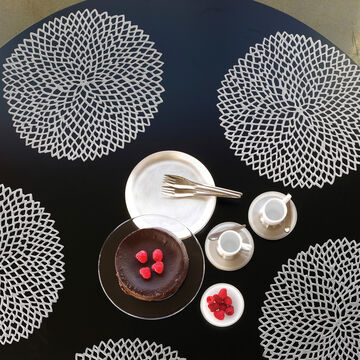 """Chilewich Pressed Dahlia Placemat, 14"""""""