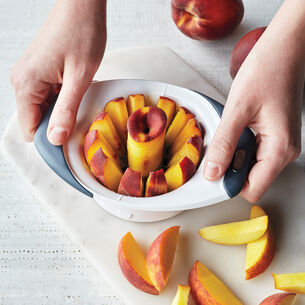 Zyliss Easy Slice Peach Slicer