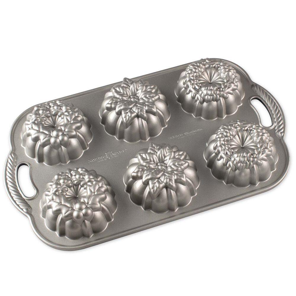Nordic Ware Wreathlettes Pan