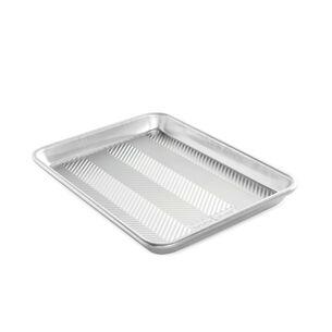 Nordic Ware Prism Baking Pan, Quarter Sheet