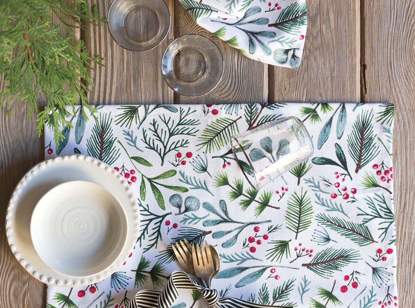 Bough & Berry Napkins, Set of 4 | Sur La Table