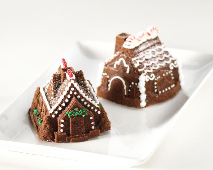 Nordic Ware Gingerbread House Duet Pan