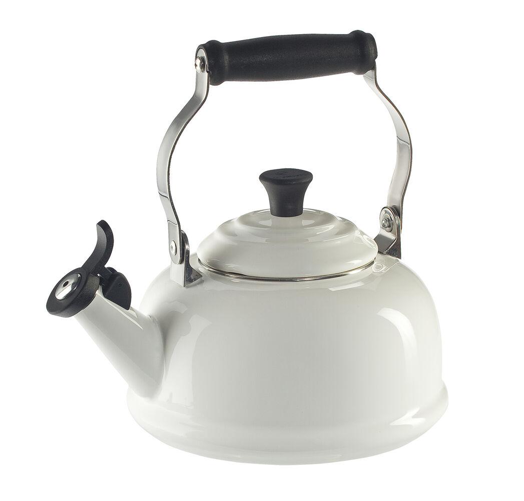 Le Creuset Classic Whistling Teakettle