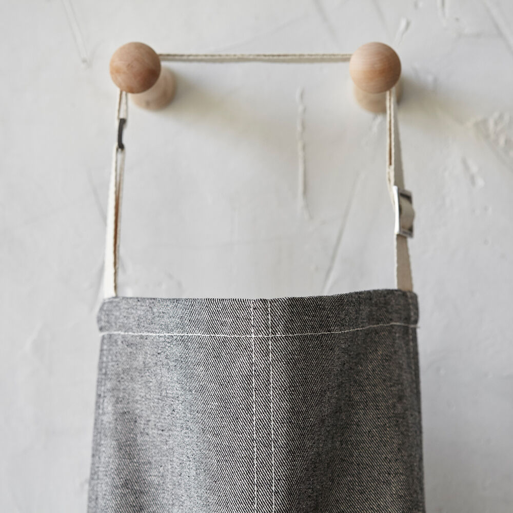 The Sous Chef Signature Apron