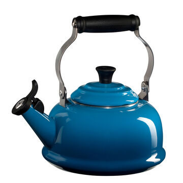 Le Creuset Classic Whistling Teakettle