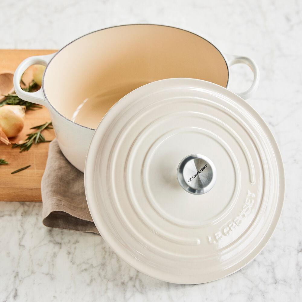 Le Creuset Signature Round Dutch Oven, 7.25 qt.