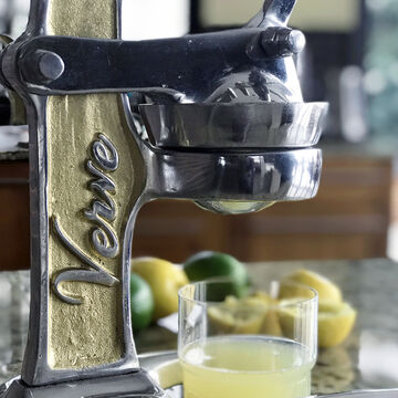 Verve Culture Artisan Citrus Juicer