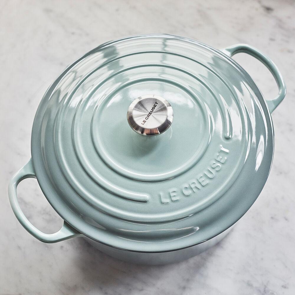 Le Creuset Signature Round Dutch Oven, 9 qt.