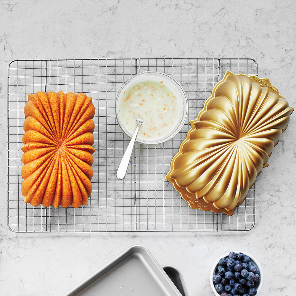 Nordic Ware Anniversary Loaf Pan, 6 cups