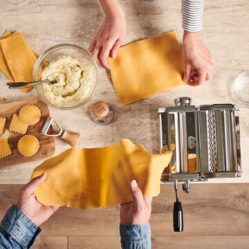 Marcato Atlas 150 Classic Pasta Maker with 2 Ravioli Stamps