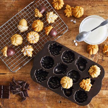 Nordic Ware Autumn Delights Cakelet Pan