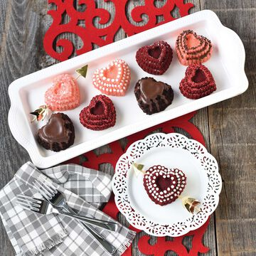 Nordic Ware Tiered Heart Cakelet Pan