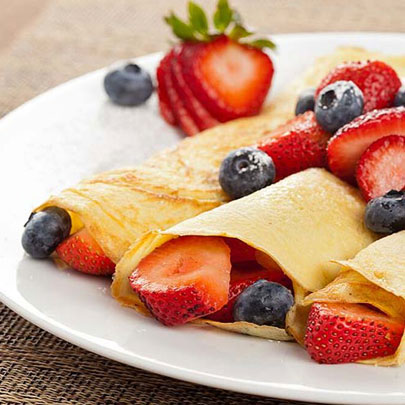 MIXED BERRY CREPES