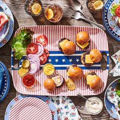 Summerhouse red, white and blue melamine outdoor dinnerware